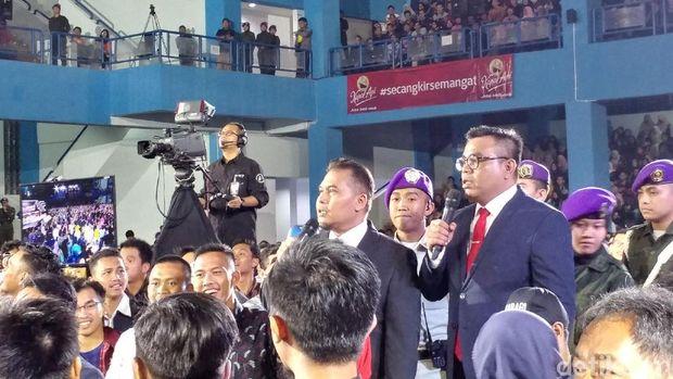 Presiden Pojok Istana Abdel Achrian dan Penasehat Pojok Istana Denny Chandra.