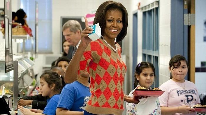 Dalam situs White House dikatakan, Michelle dan Barrack Obama adalah tokoh yang pro vaksin. Selama menjadi Ibu Negara, Michelle ingin seluruh anak mendapat vaksin H1N1 demi kesehatannya. Termasuk untuk kelompok African American yang capaian vaksinnya paling rendah dibanding populasi umum. Foto: Istimewa