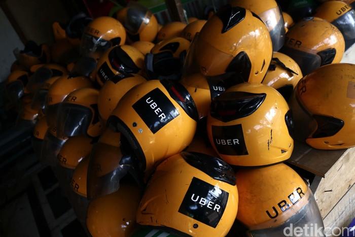Perlengkapan Uber diobral pasca akuisisi oleh Grab. (Foto: Rifkianto Nugroho)