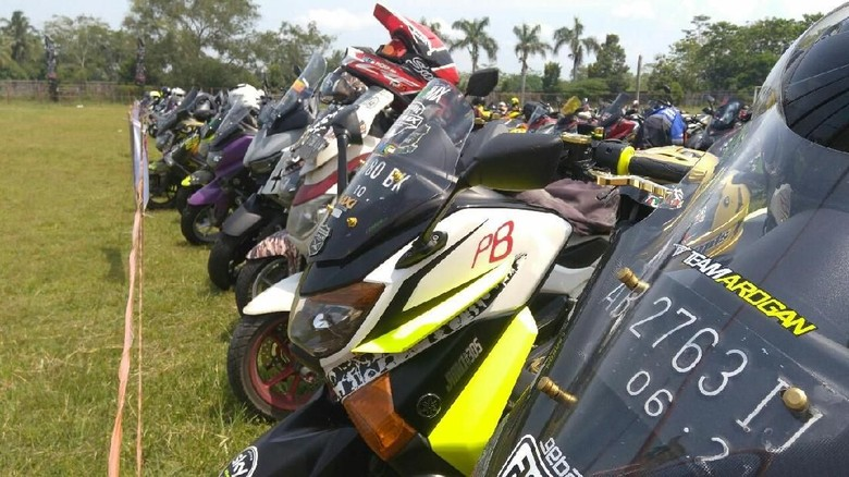 Club Nmax se-Indonesia Sambangi Purworejo Foto: Rinto Heksantoro