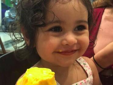 Lihat anak ini makan es krim bikin gemas maksimal deh. (Foto: Instagram/@theacefamily___)