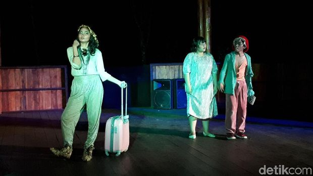 Teater Keliling Sukses Pentaskan 'Sang Saka' di Palangkaraya
