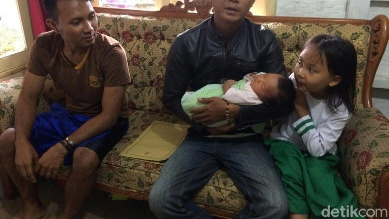 Foto: Ini Bayi di Tasik Bernama Persib Satu Sembilan Tiga Tiga