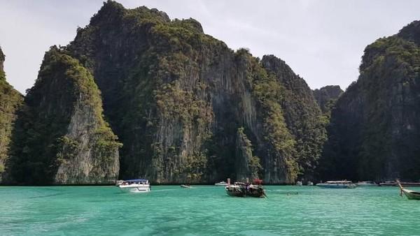 Perlahan, Thailand telah membuka kembali gerbang mereka untuk turis asing. Negara ini telah alami kerugian pariwisata sebesar USD 37,504 juta (Elsa/dTraveler)