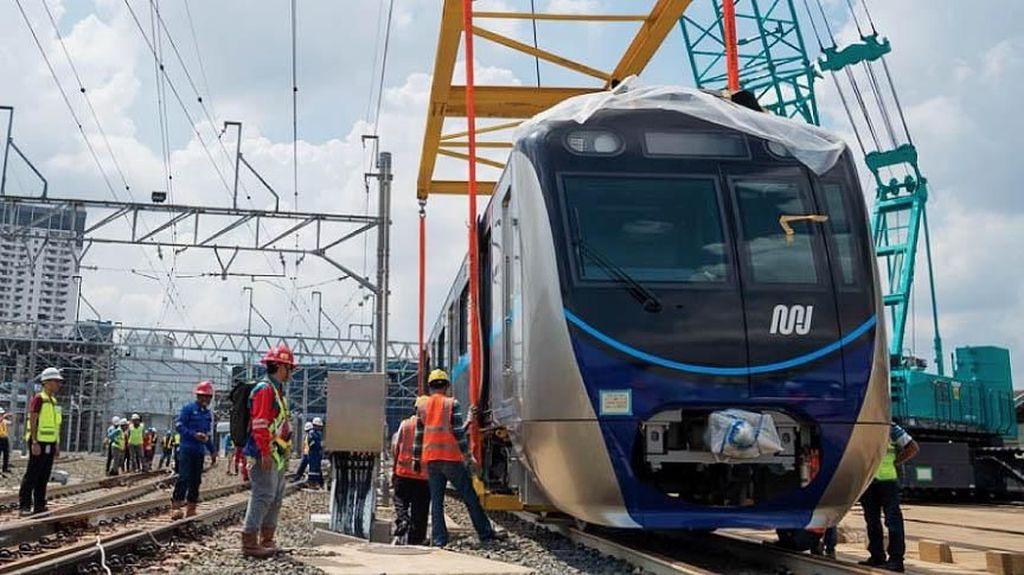 Touch Down, Kereta MRT Melantai di Rel Lebak Bulus