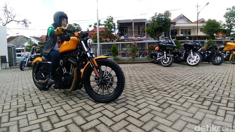 Komunitas Harley-Davidson peduli sosial. Foto: Deny Prastyo Utomo