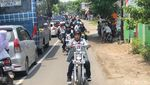 Gaya Jokowi Naik Chopper Emas dan Jadi Captain Touring