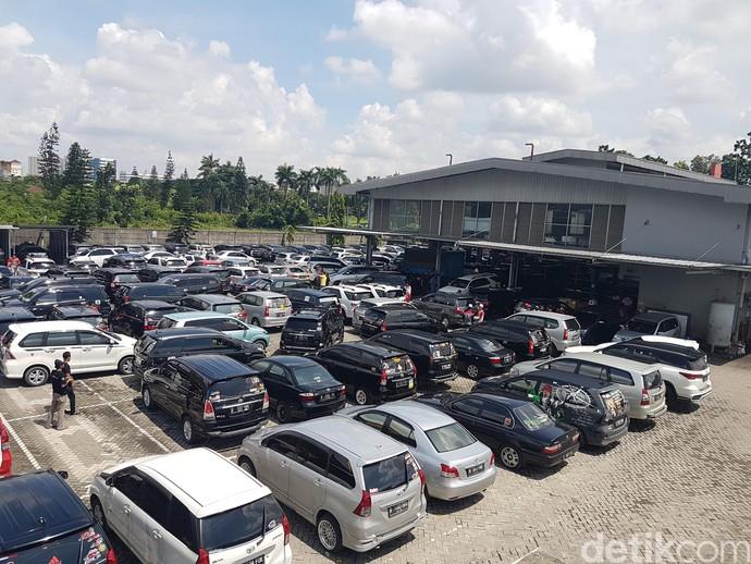 Kopdar kali ini bisa dibilang cukup besar. Acara kumpul bersama yang bertajuk Kopdar Gabungan Auto2000 with Community ini diadakan di diler Auto2000 Cikarang, Jawa Barat. Foto: Rangga Rahadiansyah