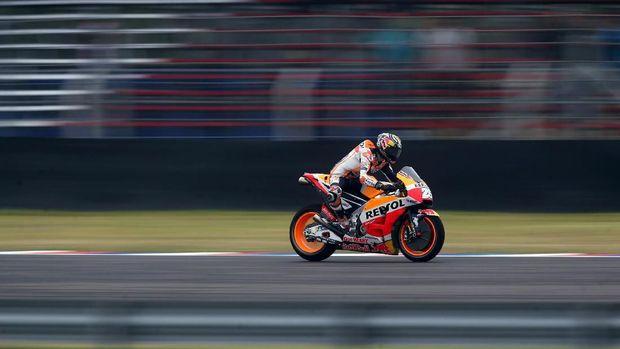 Dani Pedrosa menganggap motor MotoGP mirip kuda sedangkan mobil F1 mirip jet.