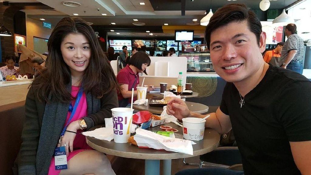 Pose CEO Grab Saat Ngopi hingga Gaya Kocak Baim Wong Bersama Makanan