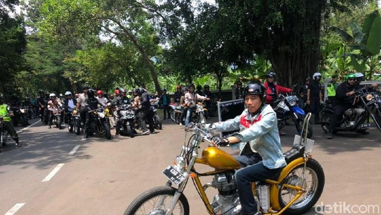 Jokowi saat touring ke Sukabumi (Foto: Ray Jordan/detikcom)