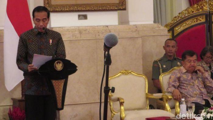 Foto: Presiden Jokowi membuka sidang kabinet paripurna. (Andhika-detikcom)
