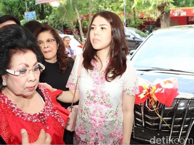 Daftar Jadi Anggota DPRD DKI, Tina Toonita Belum Mau Sesumbar