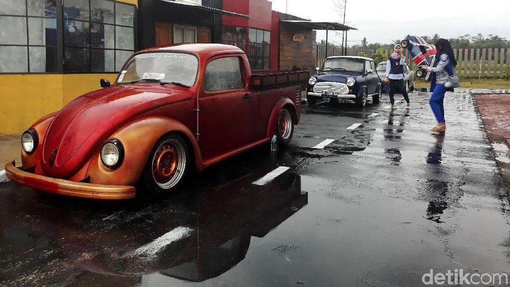 Liburan ke Borobudur, Mampir ke Taman Mobil Rongsok yang Unik