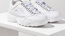 12 Jenis Sneakers Putih yang Sesuai dengan Zodiak Kamu