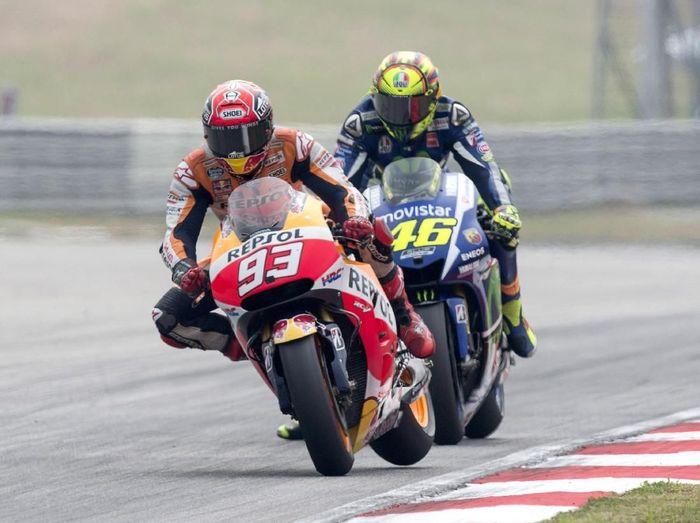 Marc Marquez dihukum penalti 30 detik akibat insidennya dengan Valentino Rossi (Mirco Lazzari gp/Getty Images)