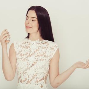 5 Cara Tak Biasa Pakai Parfum Agar Wanginya Semerbak dan Tahan Lama