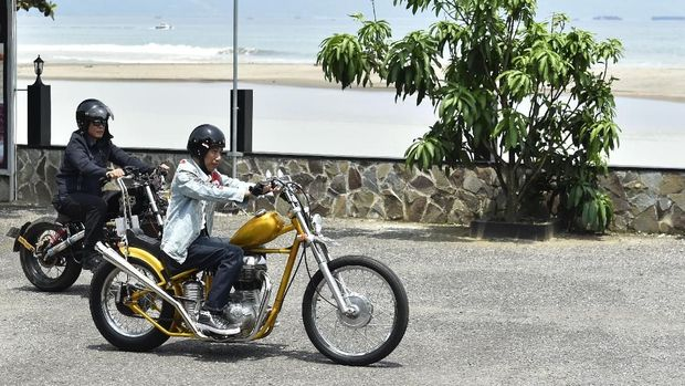Jokowi saat touring ke Sukabumi