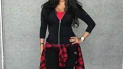 Liza Natalia bukan hanya jadi penyanyi dangdut, melainkan juga instruktur senam. Seperti apa olahraga pilihannya sampai mendapatkan bentuk badan yang indah?