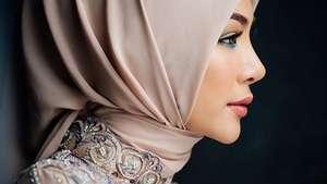Peragaan Busana Ivan Gunawan di Indonesia Fashion Week