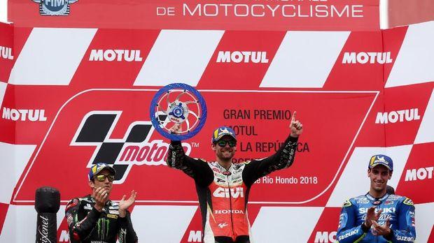 Alex Rins berhasil naik podium untuk kali pertama Suzuki di MotoGP Argentina.