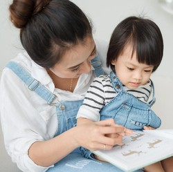 Bunda, Pahami Yuk 3 Manfaat Membaca Cerita untuk Anak