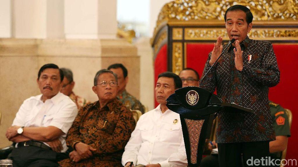 Jokowi Ingatkan Menteri Cabut Aturan Hambat Investasi dan Ekspor
