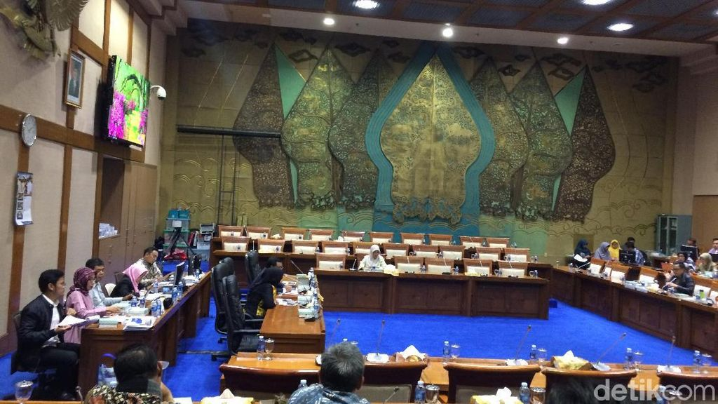 DPR Tunda Rapat dengan Pertamina soal Pipa Patah di Balikpapan