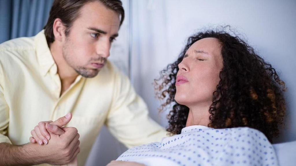 Daftar Barang yang Perlu Suami Bawa Saat Temani Istri Melahirkan