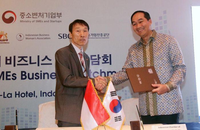 Hal itu agar terdata dan menjadi bagian dari mata rantai perusahaan manufaktur atau/untuk industri Korea. Kepala BKPM turut hadir dalam acara tersebut. Foto: dok. BKPM