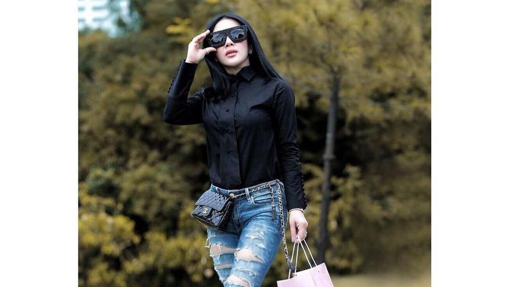 Gaya Bling-bling Syahrini, Pakai Jam Mewah Rp 1 M dan Sepatu Rp 100 Jutaan