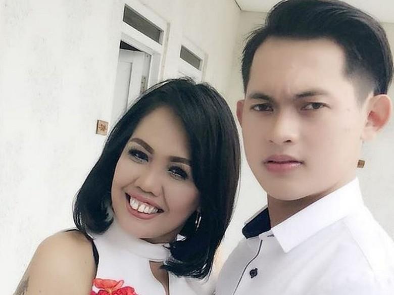 Ely Sugigi Bertengkar dengan Kekasih, Gara-gara Drama Video Klip