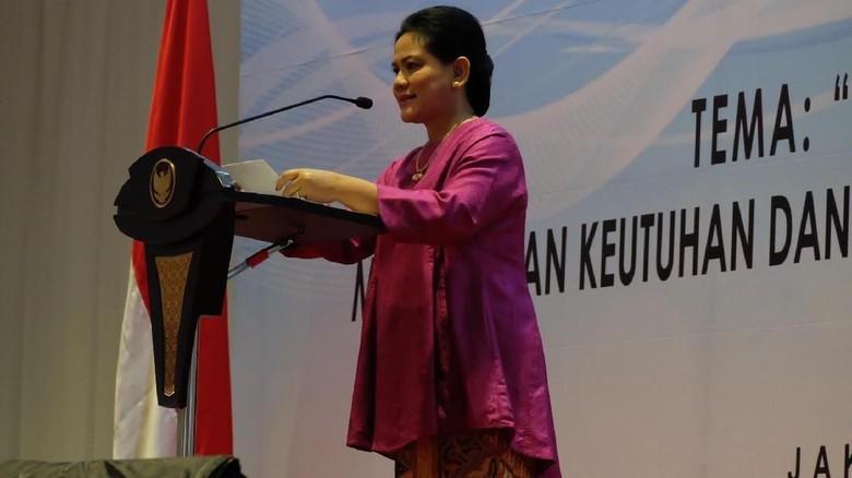 Potret Iriana Jokowi Buka Rakor PKK