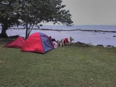 Camping Ceria di Pantai Pasir Putih Sirih Anyer