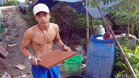 Cerita di Balik Kenekatan Pria Telanjang Dada Colek Jokowi