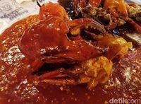 Kepiting super jumbo yang capitnya sebesar kepalan tangan. Wow!