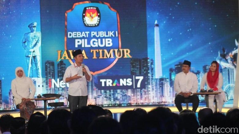 Khofifah Sindir Puti-Gus Ipul soal Bonus Demografi dan Internet 4G