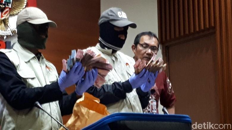 KPK: Lebih dari 5 SKPD Beri Suap ke Bupati Bandung Barat