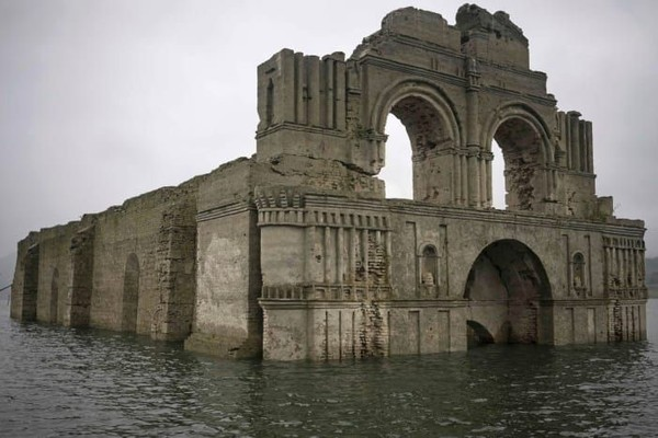Namun pada 1770, area sekitar Temple of Santiago mendadak dijangkiti oleh penyakit menular yang mematikan (CNN Style)