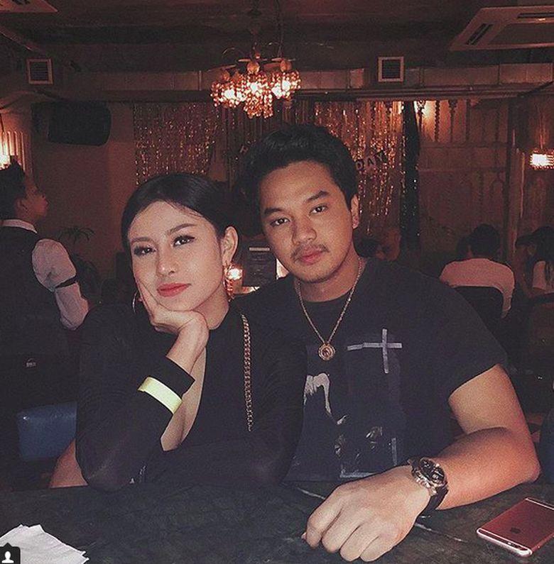 Awkarin dan Alfie sang putra Mahyudin, Wakil Ketua MPR RI masih mesra. Padahal mereka sudah putus lho. Foto: Instagram/kay.een