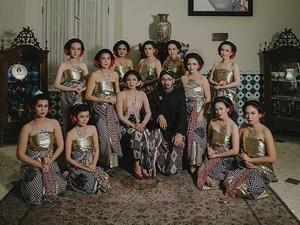5 Inspirasi Baju Bridesmaid dengan Tema Tradisional