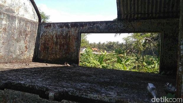 Salah satu sudut gerbong kereta yang mangkrak di Purworejo.
