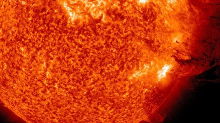 Badai Matahari akan hantam bumi