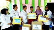 Momen Bocah yang Curhat ke Jokowi Dapatkan Kaki Palsu