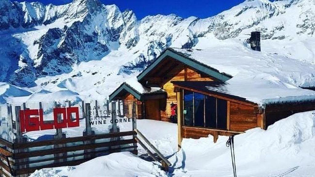 Sedang Mabok, Traveler Ini Malah Daki Pegunungan Alpen