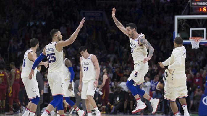 Philadelphia Sixers baru menorehkan rekor 15 kemenangan beruntun (Mitchell Leff/Getty Images)