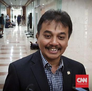 Sebanyak 15 Pegawai Kemenpora Jelaskan Aset Dibawa Roy Suryo
