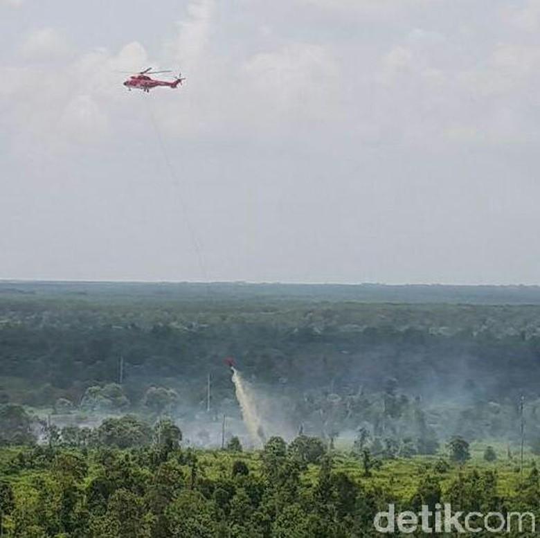 5 Heli Bom Air Diturunkan untuk Padamkan Karhutla di Sumsel