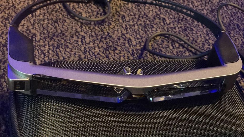 Kacamata Pintar Epson Dibidik Komunitas Drone