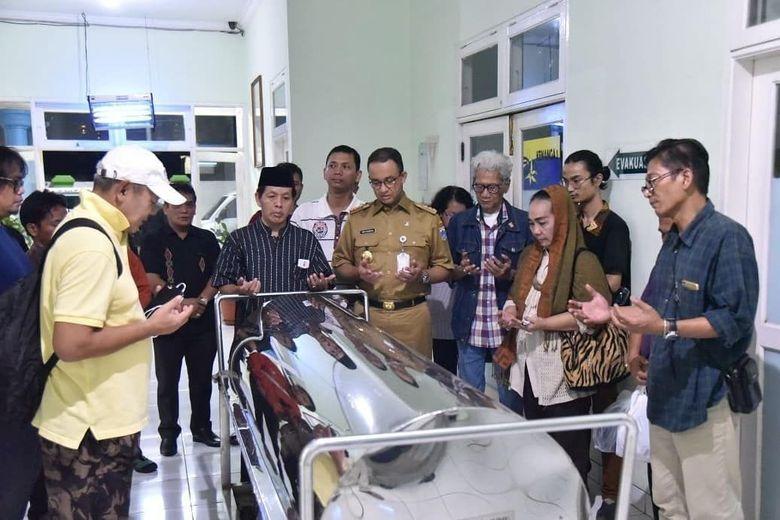 Danarto wafat pada malam hari di RS Fatmawati, Jakarta Selatan. (Dok.Twitter/@aniesbaswedan)